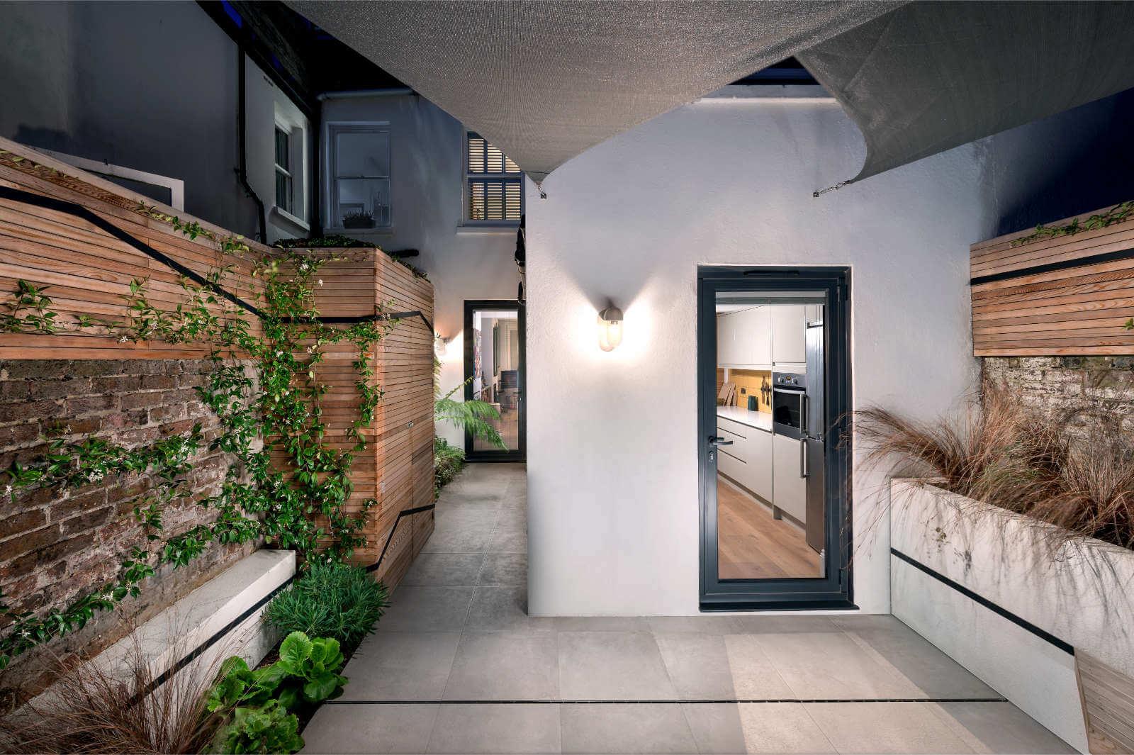 Line Garden Design - Photo 3